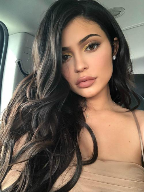 Kylie Jenner Long Wavy Human Hair Lace Wigs edw7028